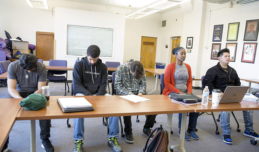 Health Ed students participate in posture experiment